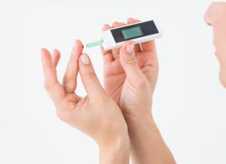 diabetes-treatment-home-blood-sugar-test-glucometer-smbg
